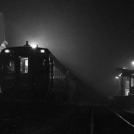 Midnight train, Pentax K200D, smc PENTAX-DA 18-55mm F3.5-5.6 AL II