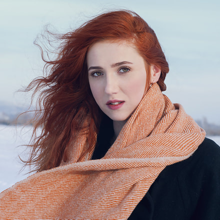 Red-haired lady, Nikon D90, AF Nikkor 50mm f/1.4D