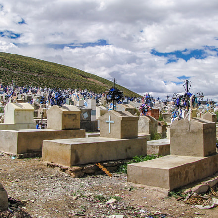 Bolivian Cemetery, Canon POWERSHOT SX100 IS