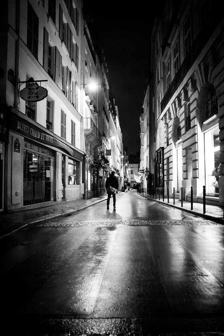 Photograph Lost in the city by vincent viargues on 500px