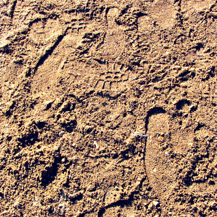 traces in the sand, Canon POWERSHOT SX220 HS