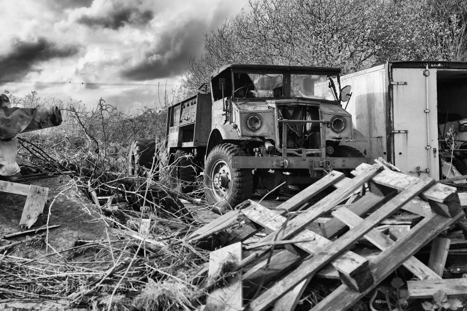 Derelict WW2 truck, Canon EOS M3, Canon EF 28mm f/2.8 IS USM