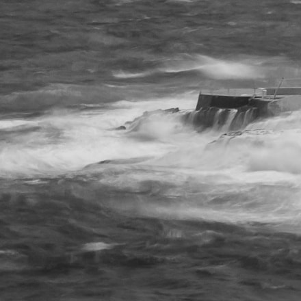 Churning storm waves, Canon EOS 450D, Sigma 24-70mm f/2.8 EX