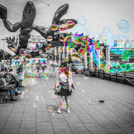Bubble Girl, Canon EOS 550D, Canon EF 28mm f/1.8 USM