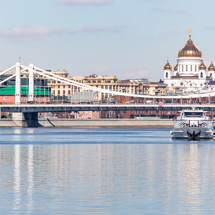 Moscow River in Spring, Canon EOS 5D MARK IV, Canon EF 200mm f/2.8L II