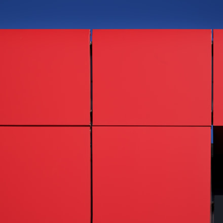 Geometry in red, blue, Canon EOS M10, Canon EF-M 15-45mm f/3.5-6.3 IS STM