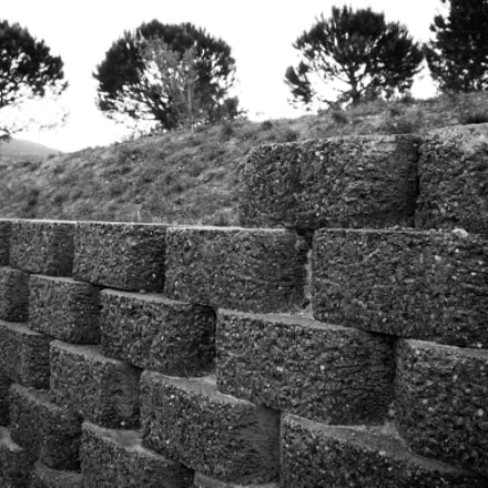 Another brick in the, Fujifilm X-E2S, XF18-55mmF2.8-4 R LM OIS