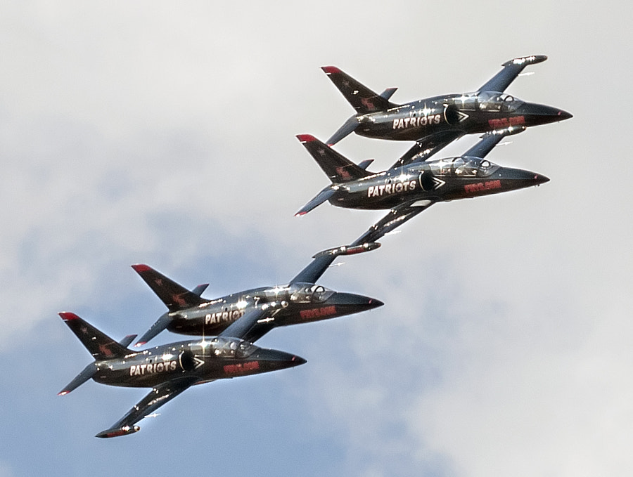 The Patriots Jet Team performs at Aviation Nation 2009