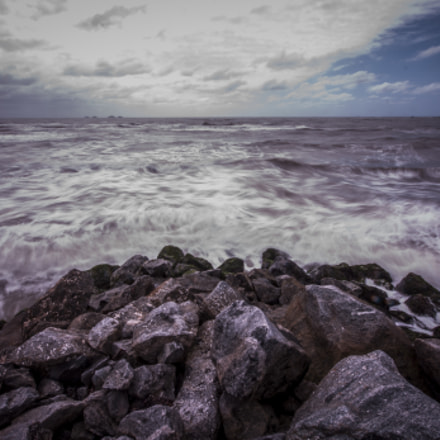 Rocks and Waves, Nikon D90, Sigma 10-20mm F4-5.6 EX DC HSM