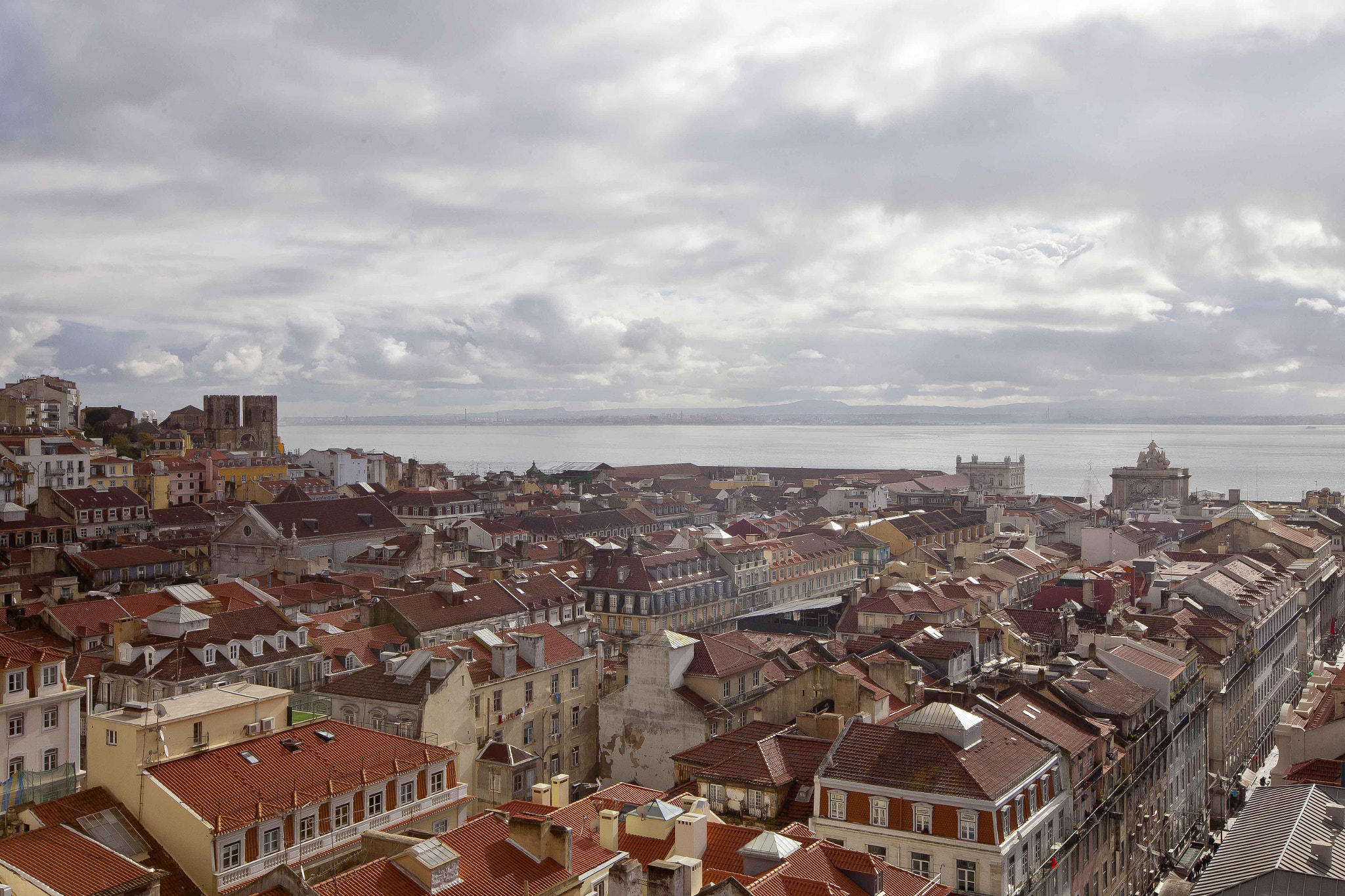 Photograph On the roofs of Lisboa by Jaume Martí on 500px