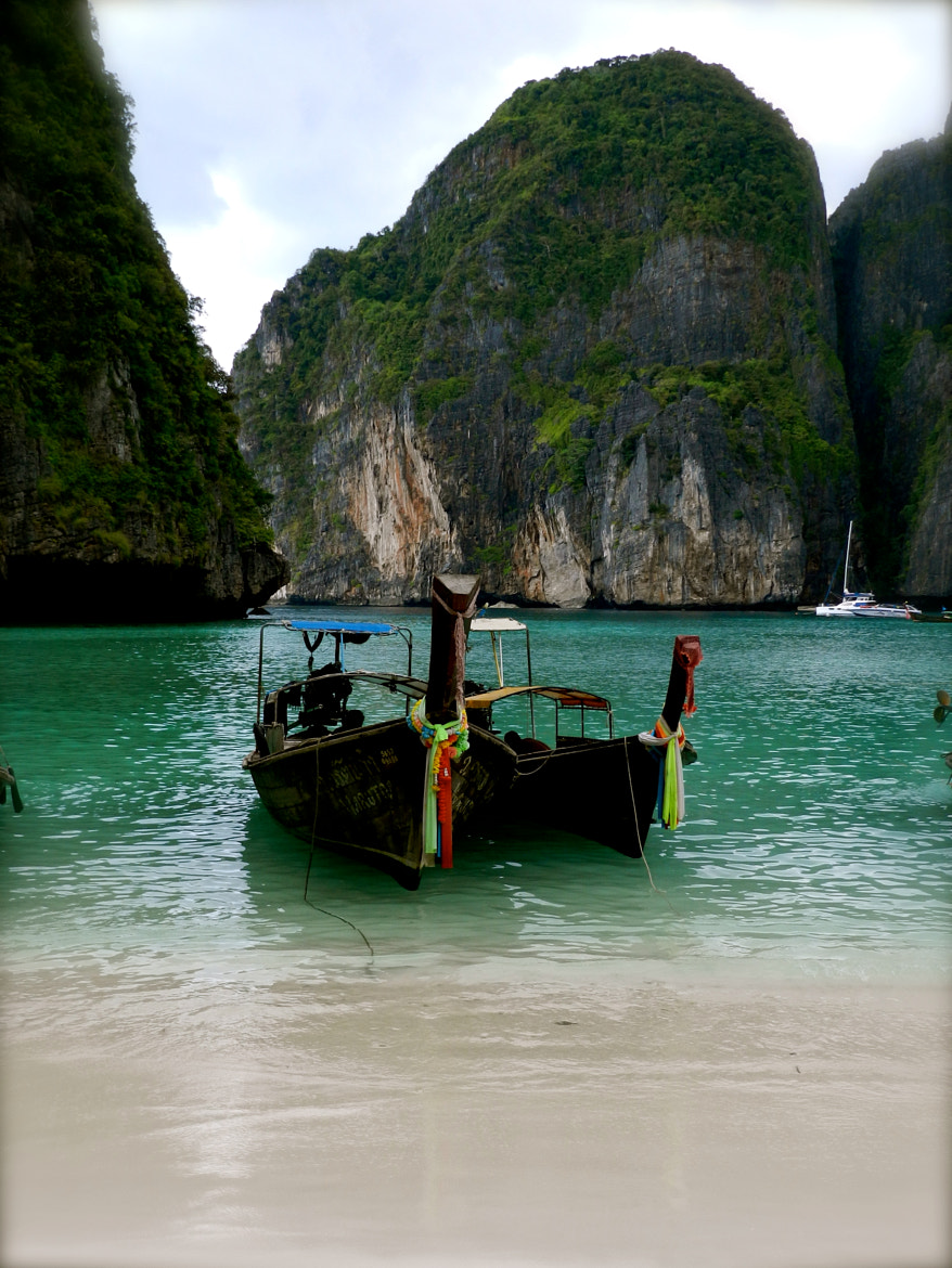 Photograph phi boats by Inkeri Dabson on 500px