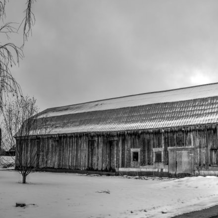 Winter Old Barn, Sony SLT-A77V, Sony DT 16-105mm F3.5-5.6 (SAL16105)