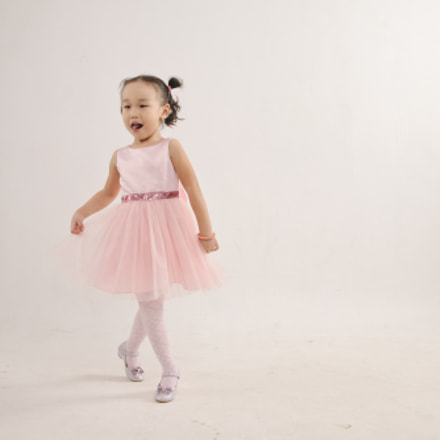 Little dancer, Canon EOS 5D, Canon EF 28-70mm f/3.5-4.5