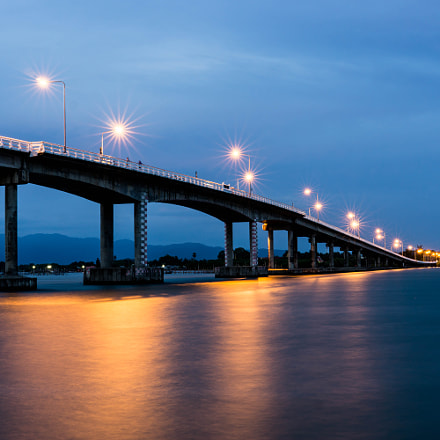 Taksin Maharat Bridge