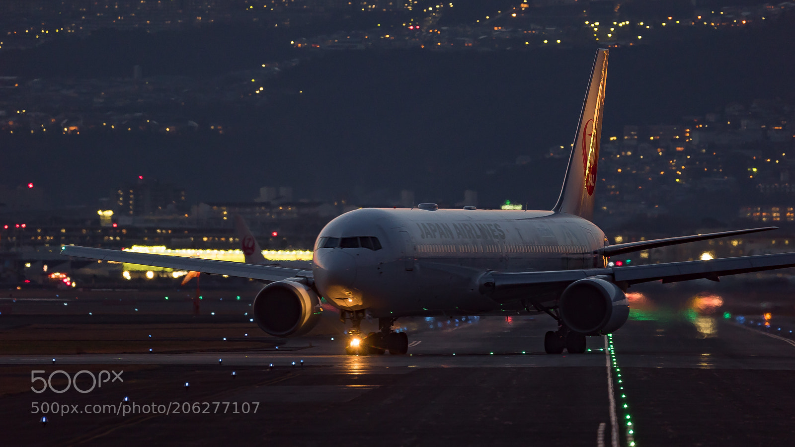 """Sony a7S sample photo. """"To the rwy"""" photography"""