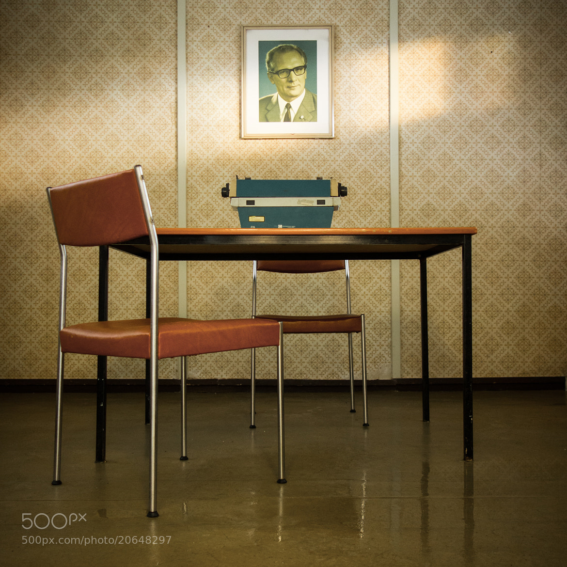 Photograph DDR office by Andrea Schuh on 500px