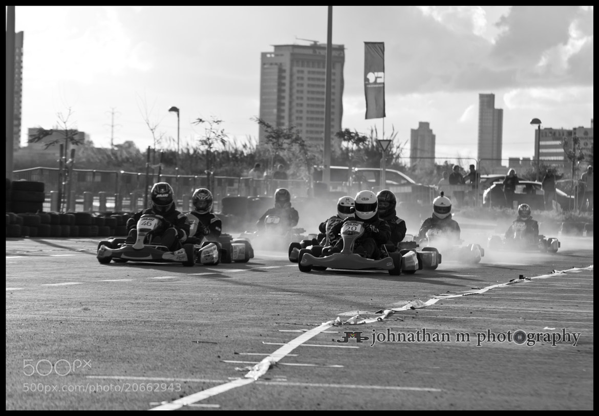 Photograph starting the action by Johnathan Maytliss on 500px