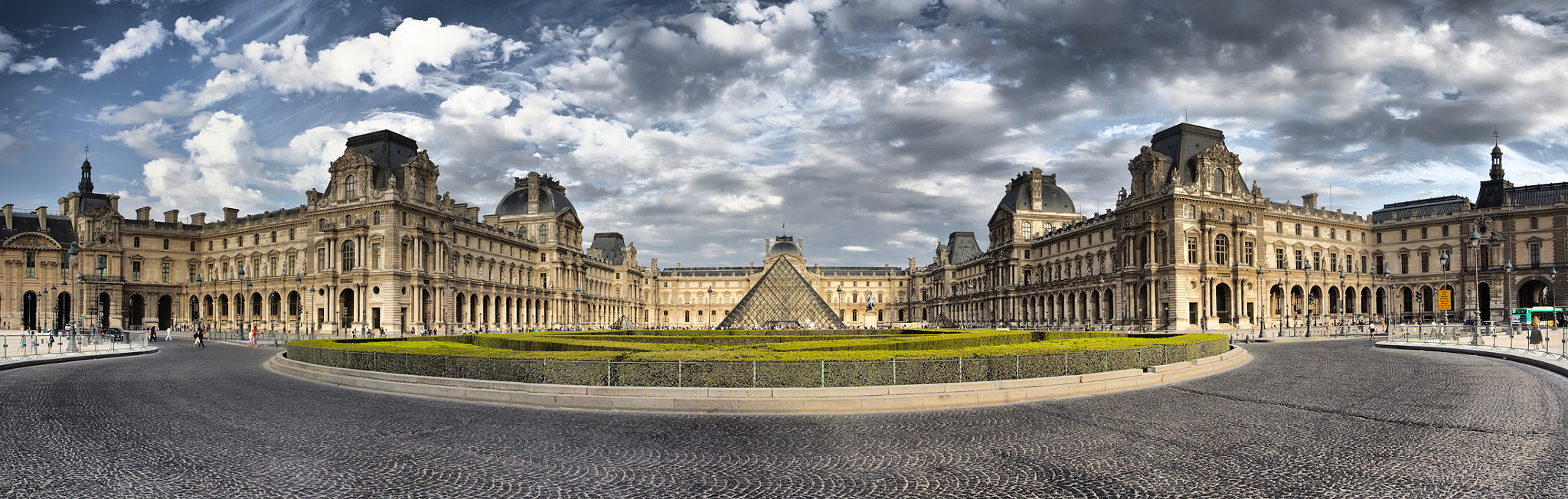 Photograph Le Louvre by Sergey Shaposhnikov on 500px