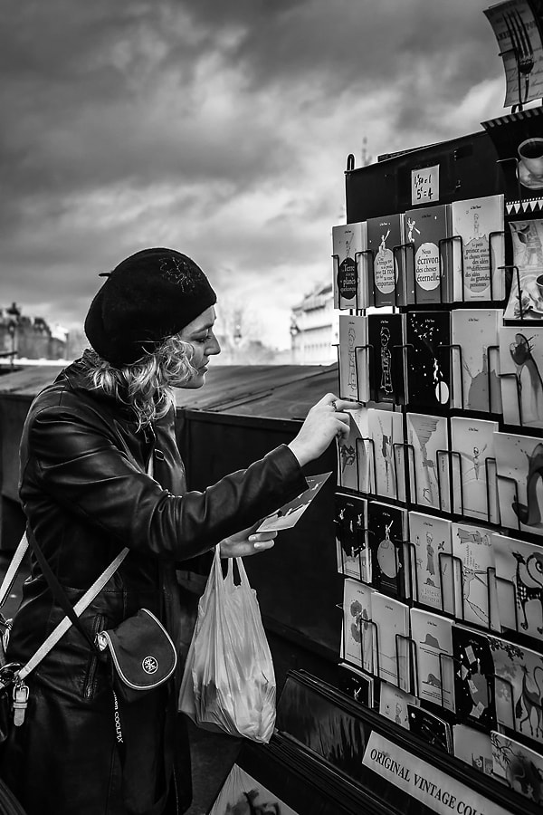Photograph Les cartes postales by Helder Vinagre on 500px