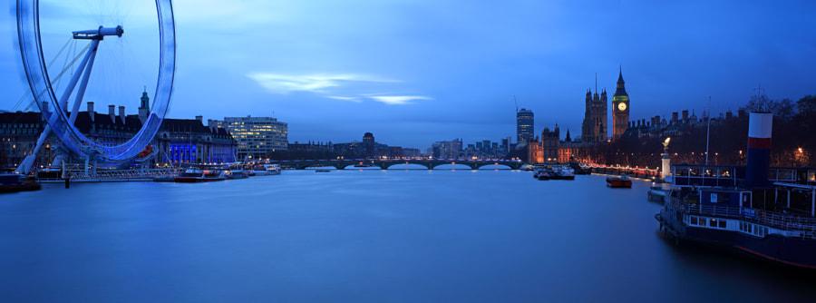 View from Jubilee Bridge, London