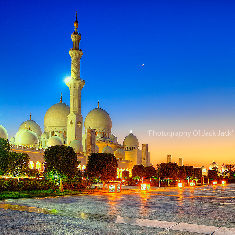 Photograph 'The Beauty Of Sheikh Zayed Grand Mosque' by HENDRIK PRIYANTO on 500px