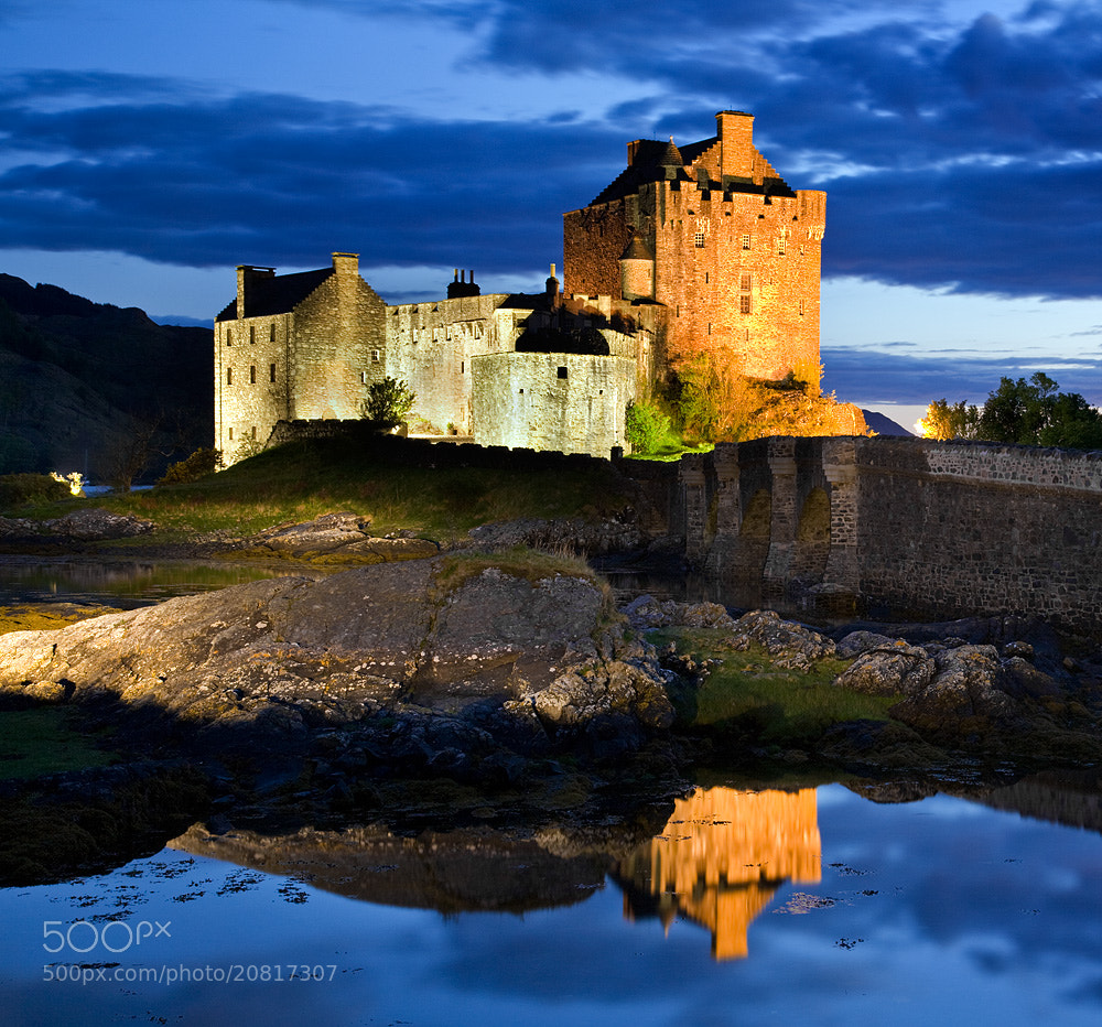 Photograph  Eilean Donan castle  by Stephen Emerson on 500px