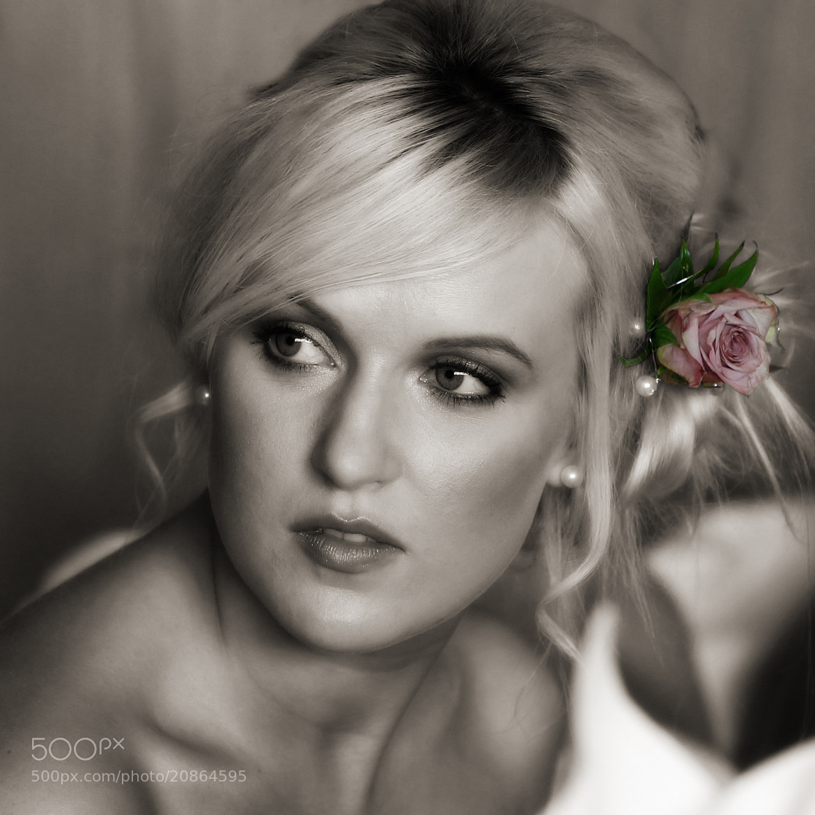 Photograph The bridesmaid  by John McIlwaine on 500px