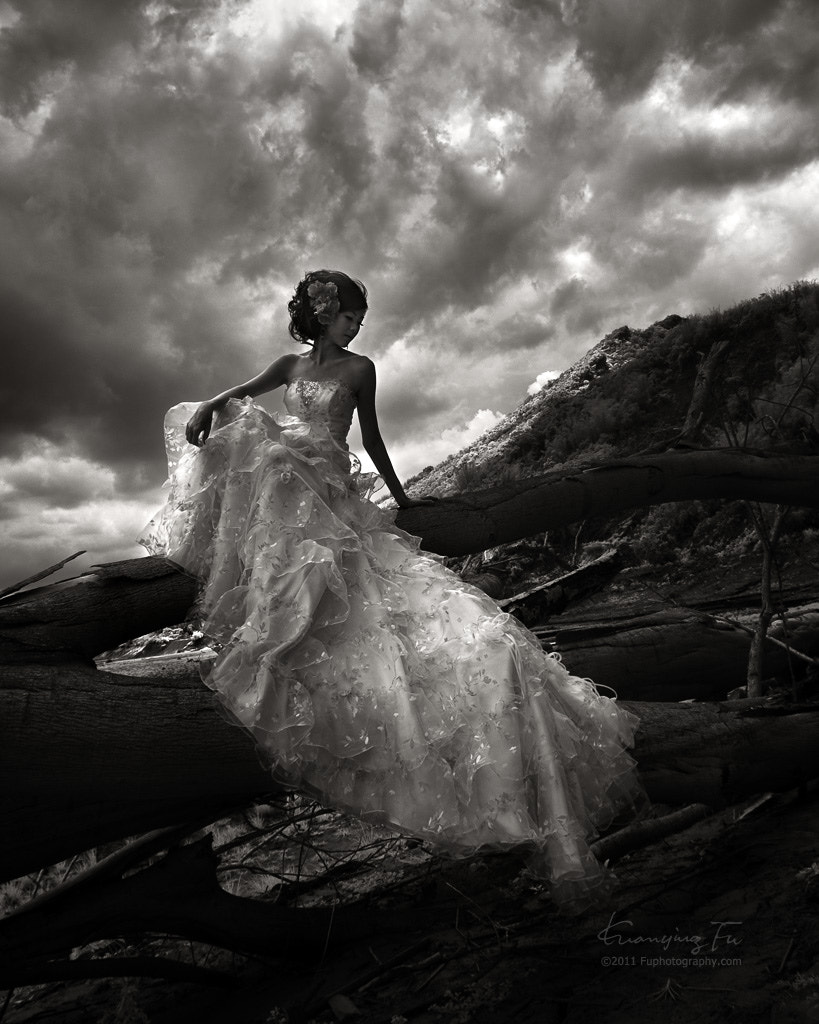 Photograph Wedding photo in BW by Kuan and Estelle Fu on 500px