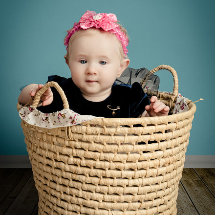 Baby in Basket, Canon EOS 5DS R, Canon EF 50mm f/1.4 USM