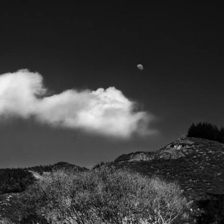 The half moon, Canon EOS 6D, Canon EF 70-200mm f/4L IS