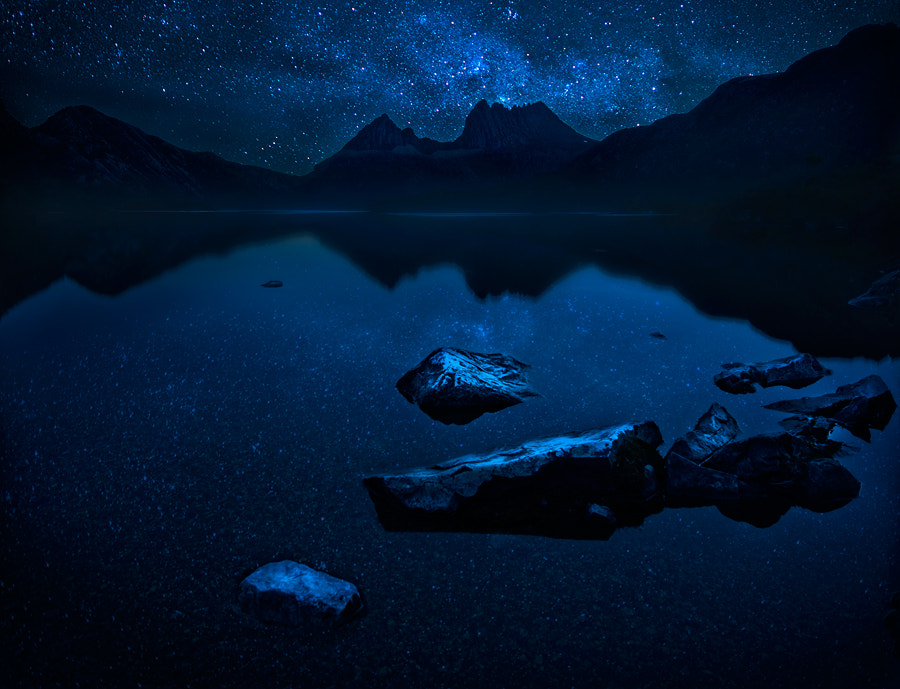 Photograph In the blue night by Paparwin Tanupatarachai on 500px