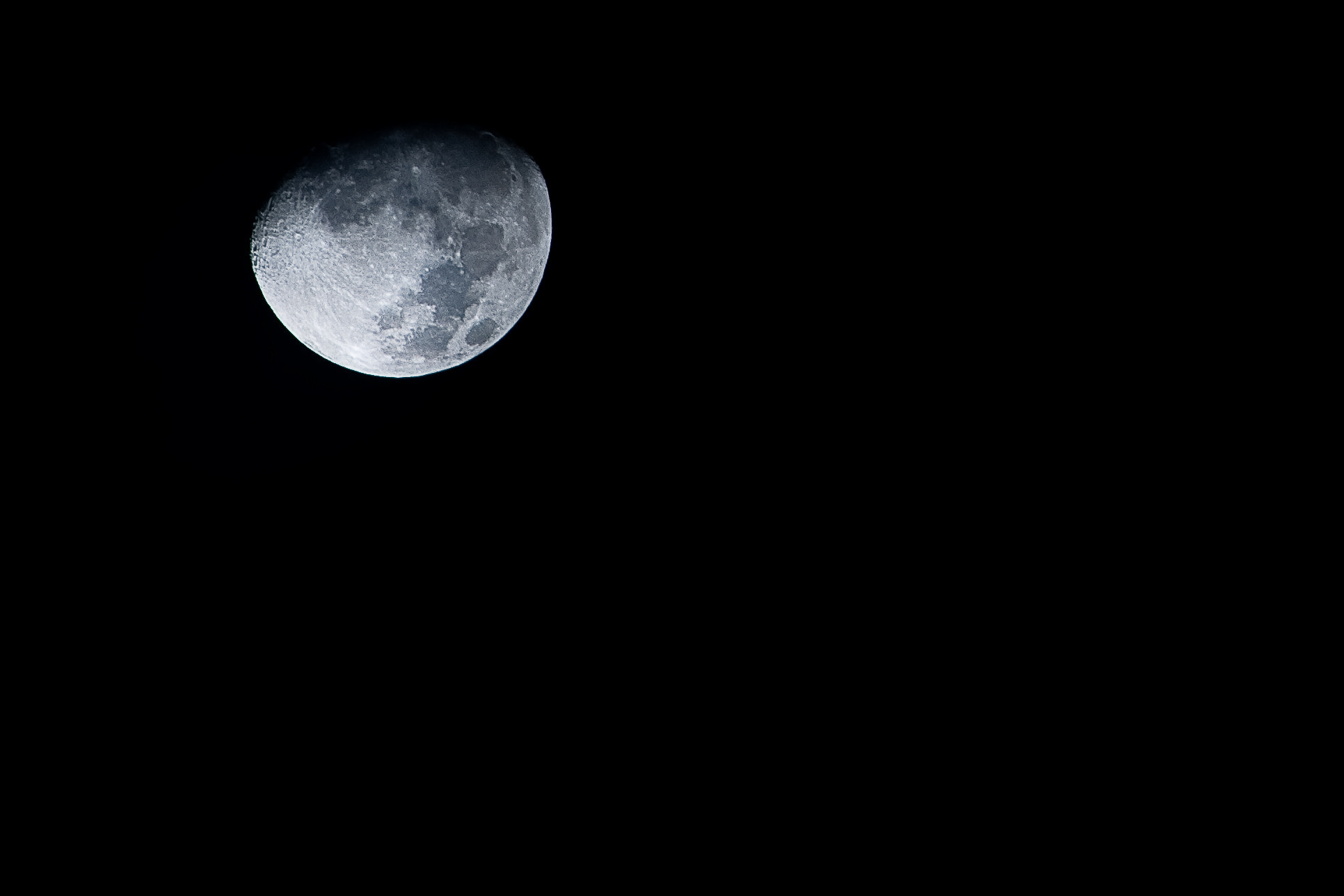 Photograph moon by Wellington Ovalle on 500px