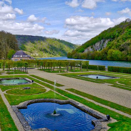 Château de Freÿr jardin