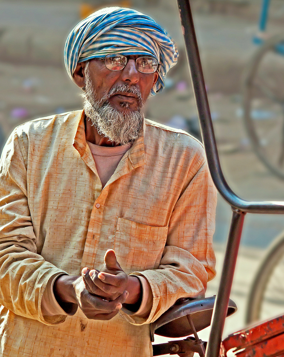 Photograph The reflections of a common man.. by Samrat  Mukhopadhyay on 500px