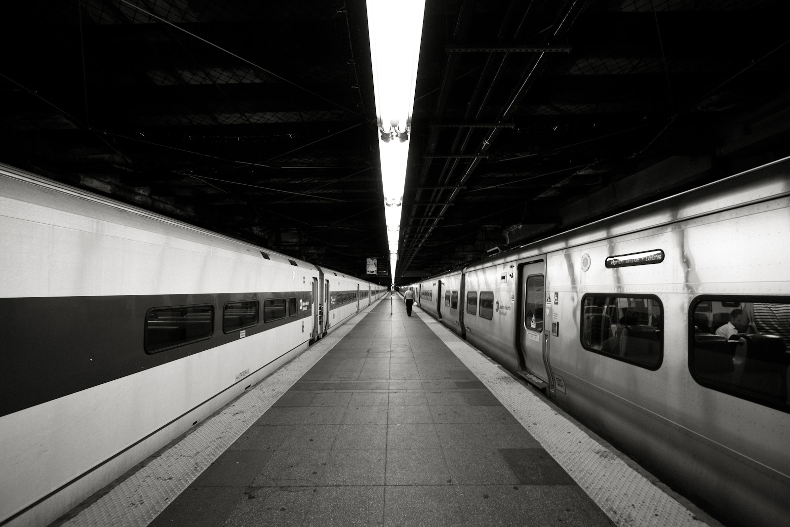 Photograph Metro by Enrique Gutierrez on 500px
