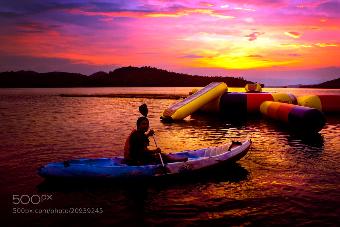 Photograph Funny Boat by piti singhanuwongsa on 500px