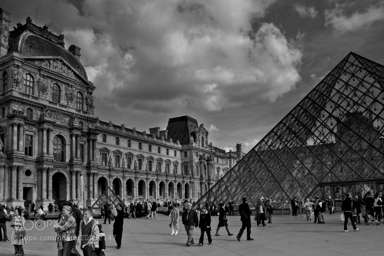 Photograph Louvre Museum - Paris by Rodrigo Kristensen on 500px
