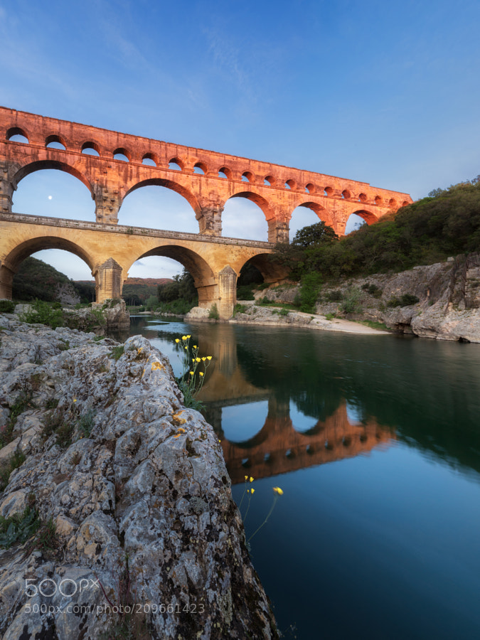 Pont du Gard in first sunlight