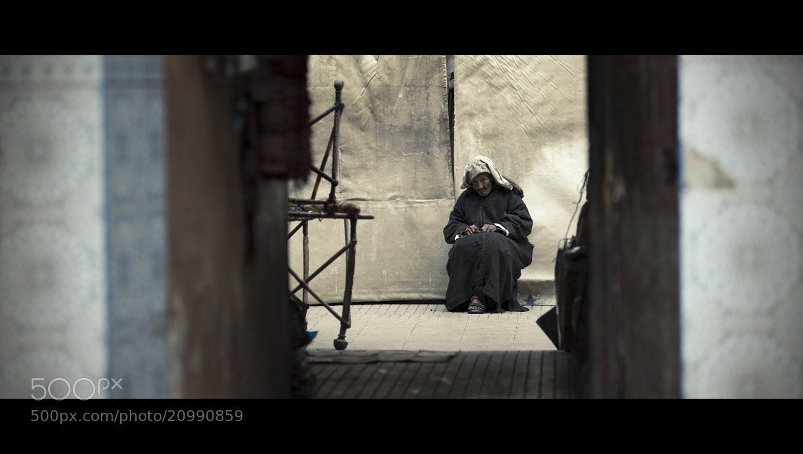Photograph The old weaver by laura  malucchi on 500px