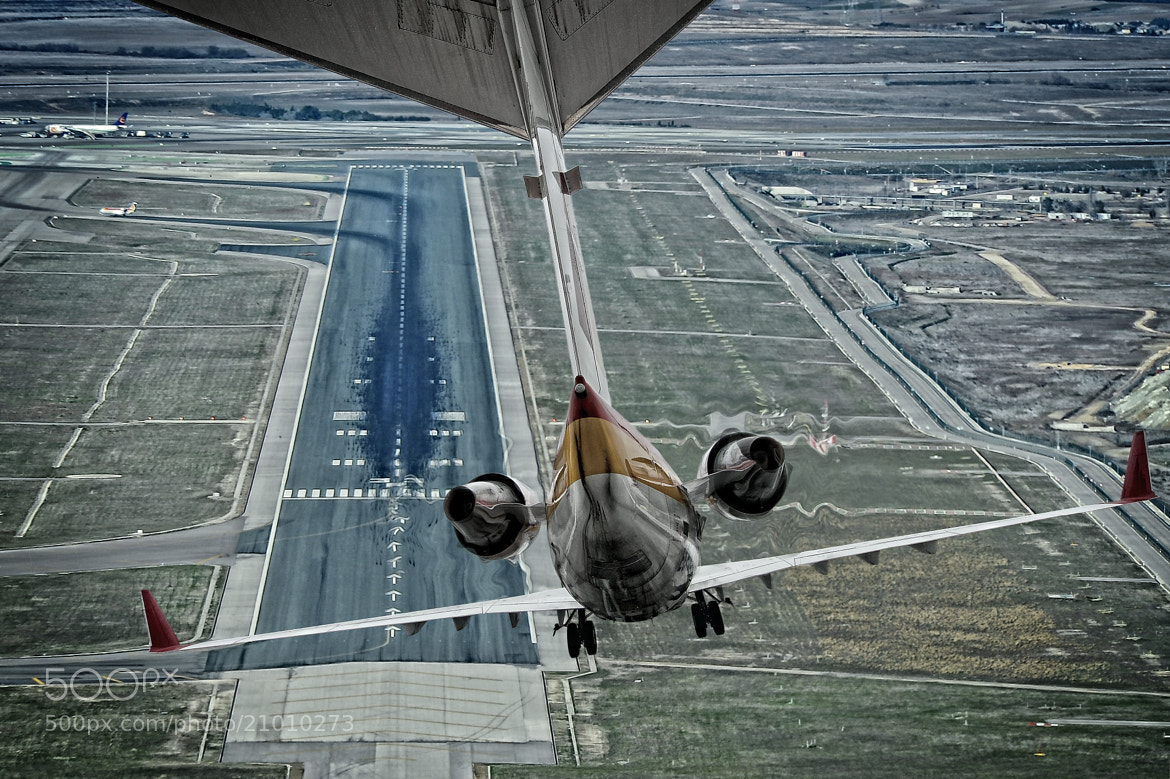 Photograph Complicated landing by Chema Ocaña on 500px