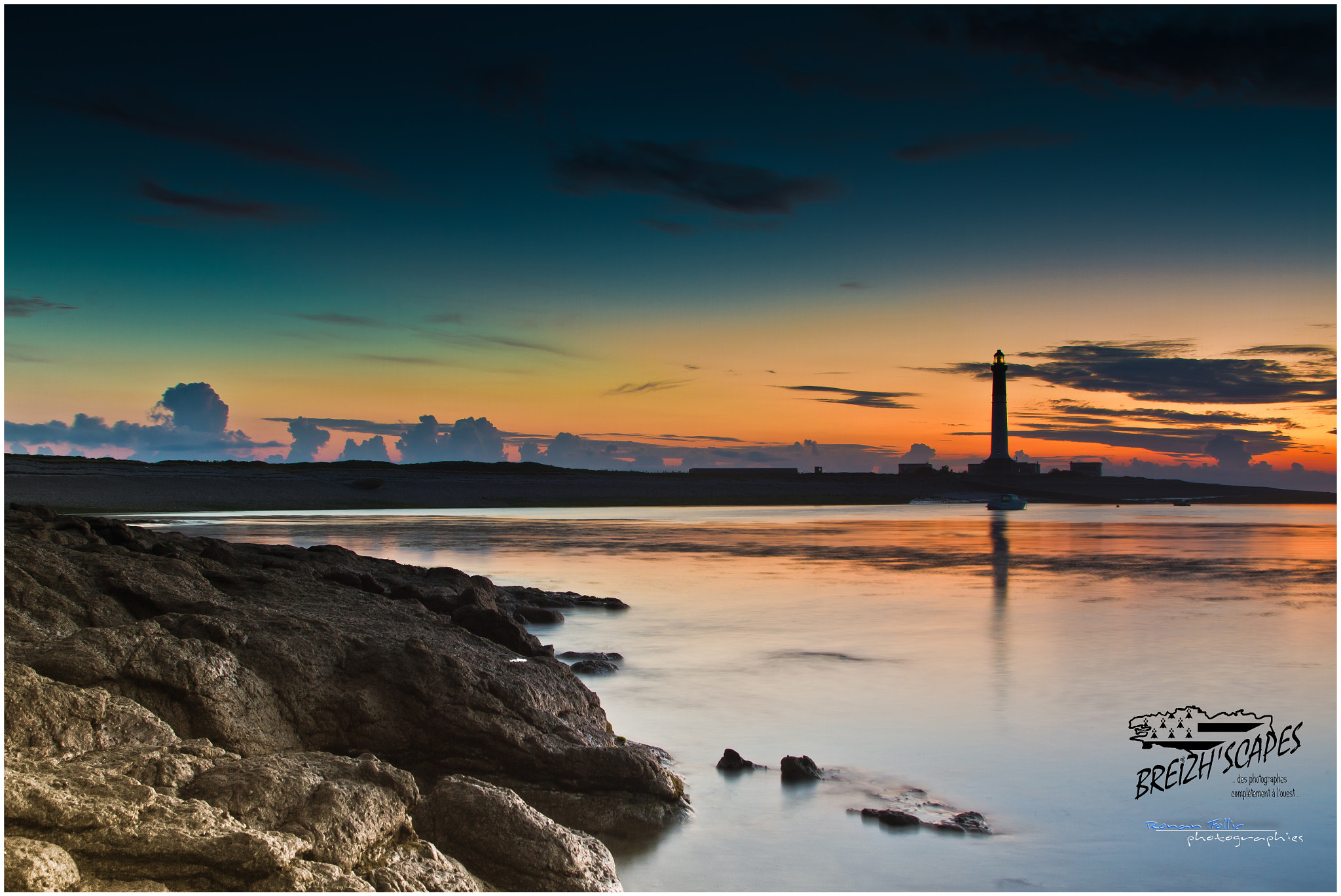 Photograph Anse and ile de Sein island lighthouse by Breizh'scapes Photographes on 500px