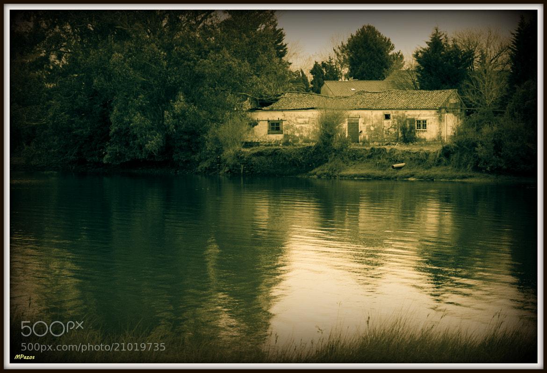 Photograph La casa del lago by Manuel Pazos on 500px