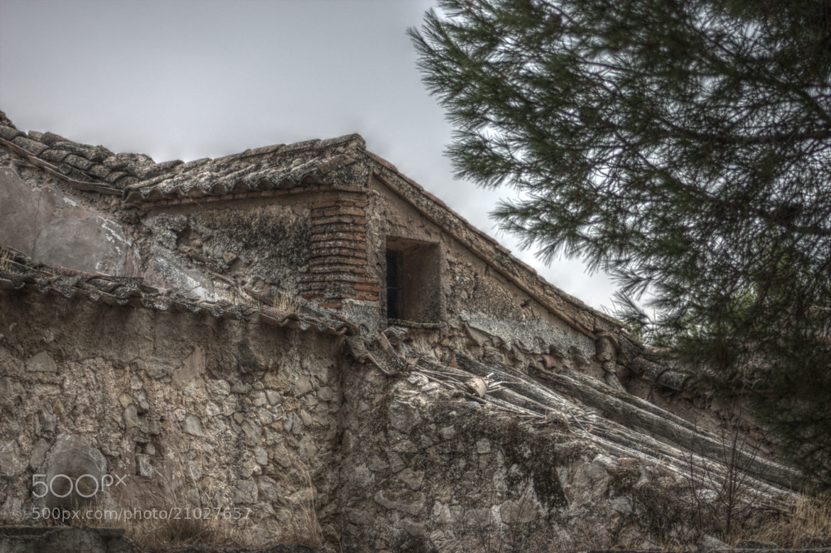 Photograph An old house by David Martínez Martí on 500px