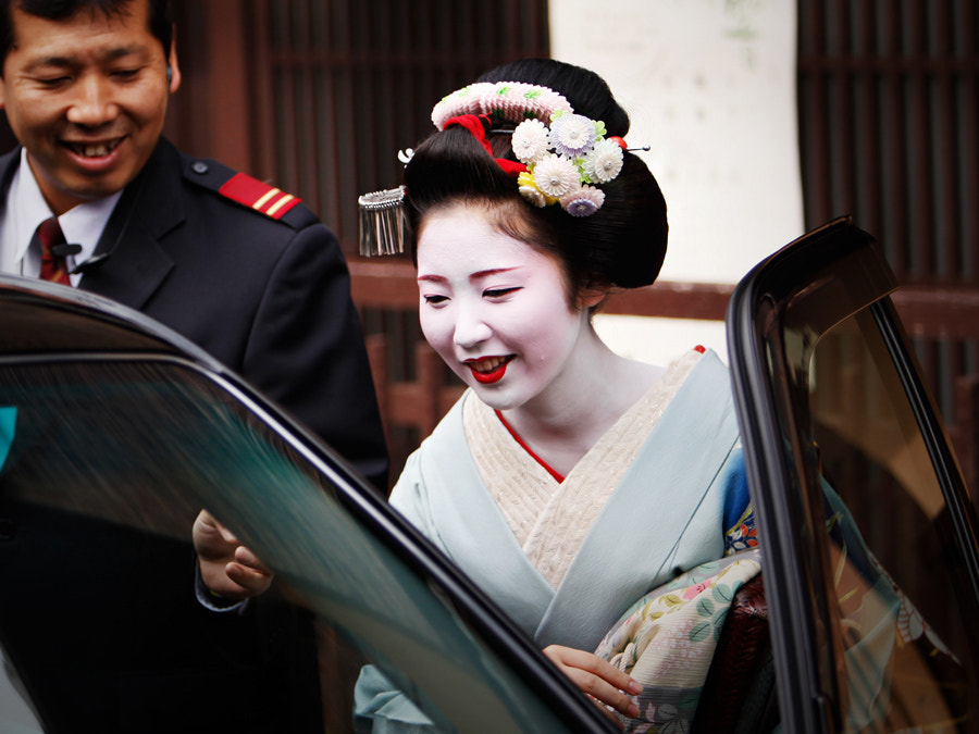 Photograph Geisha and Taxi by Woosra Kim on 500px