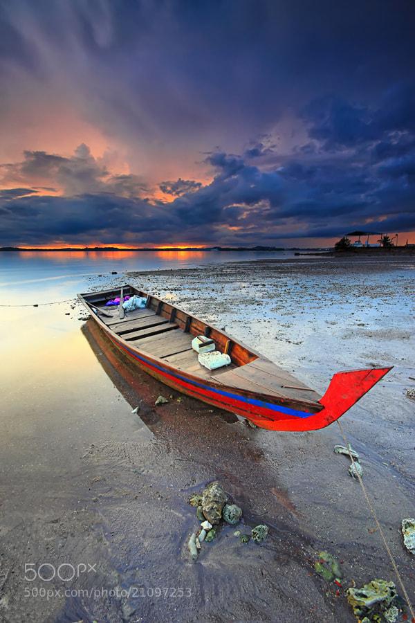 Photograph stranded boat by Danis Suma Wijaya on 500px