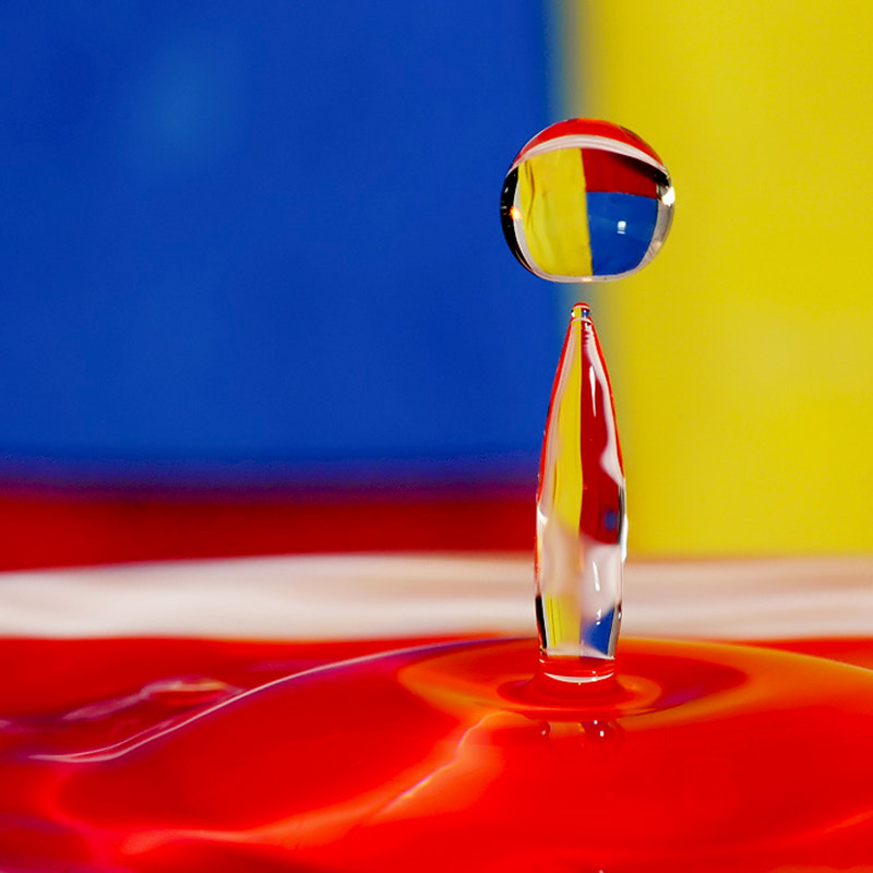 Photograph drop of water and color by Franco Mottironi on 500px