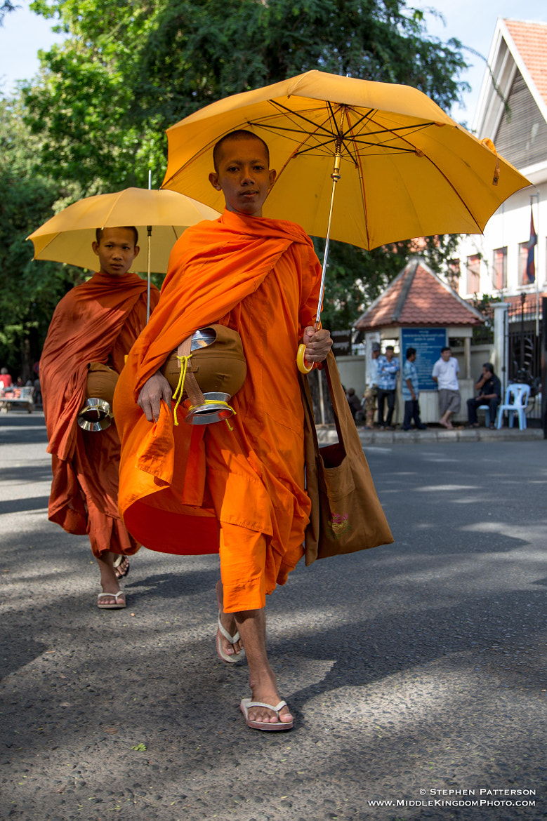 Photograph Monks in Phnom Penh by Stephen Patterson on 500px