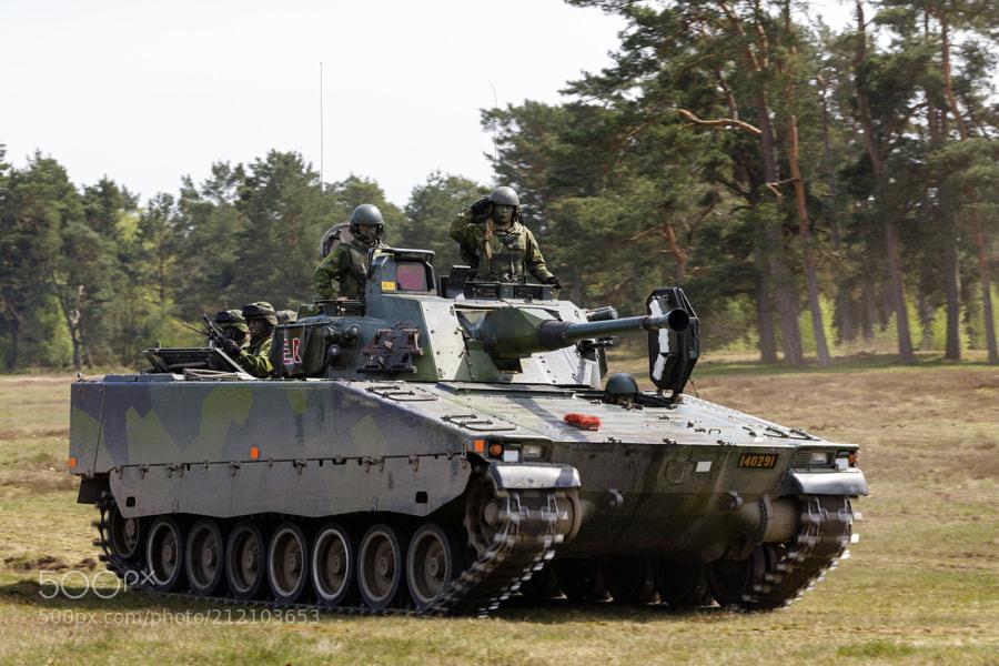 CV90 / Stridsfordon 90 parade