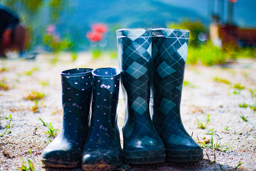 Rain boots in sunshine by Eugene Kim on 500px.com
