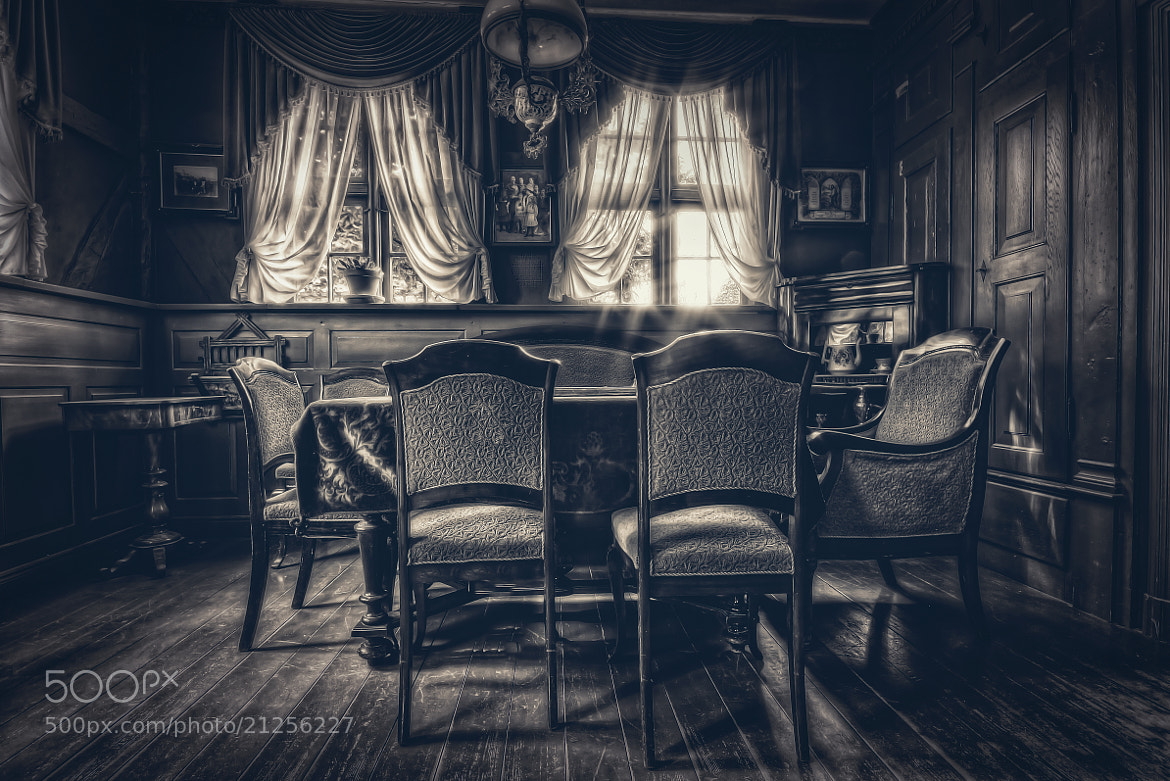 Photograph Dining Room by Jan Schättiger on 500px